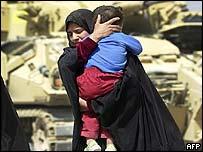 Woman and child cross checkpoint near Basra