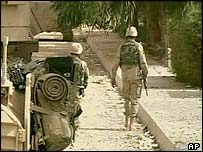US soldiers in a Baghdad suburb