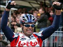 Peter Van Petegem celebrates victory