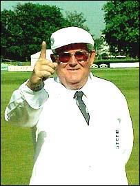 BBC SPORT | Cricket | David Shepherd's Umpire Guide