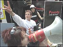 Israeli public sector workers striking