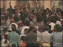 Crowds in al-Fardus Square