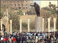 Statue of Saddam Hussein torn down in Baghdad