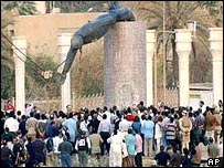 Statue of Saddam Hussein pulled down in Baghdad