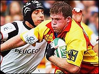 Perpignan's Phil Murphy make a charge against Toulouse