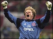 Bayern Munich keeper Oliver Kahn