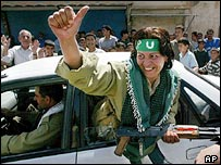 Female PUK fighter in Khaneqin
