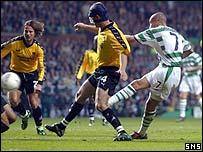 Henrik Larsson scores against Boavista in the Uefa Cup semi-final