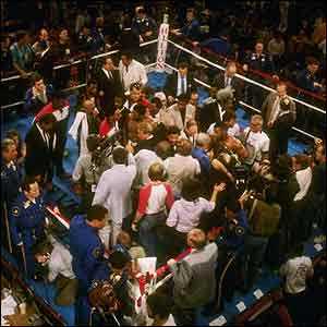 Trevor Berbick loses to Mike Tyson in the second of the twelve rounds at the Las Vegas Hilton in Las Vegas, Nevada