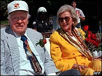 Bob and Dolores Hope in 1998