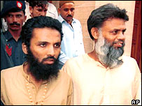 Mohammed Hanif (L) and Mohammed Imran (R) arriving at the anti-terrorist court last year