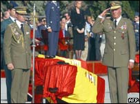 Military honours for Spanish victims