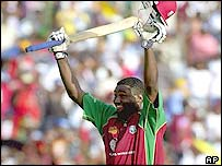 Wavell Hinds celebrates another century performance