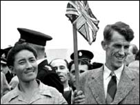 Sir Edmund Hillary (right) and sherpa Tenzing Norgay