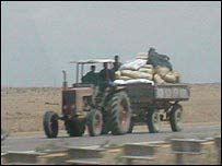 Tractor carrying stolen goods towards al-Ramadi