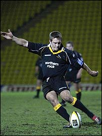 Jonny Wilkinson takes a kick for Newcastle