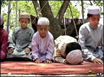 Children in Hyderabad join 100,000 Muslims to offer special prayers for rain