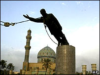 Statue of Saddam Hussein pulled down by US crane