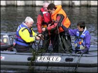 Marine experts trying to catch Andre the seal