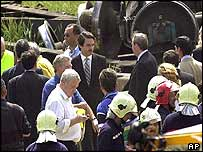 Prime Minister Aznar at crash scene