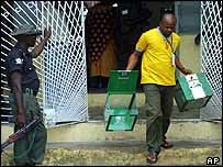Official collects ballot boxes in Warri, Niger-Delta