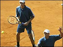 Bob (left) and Mike Bryan