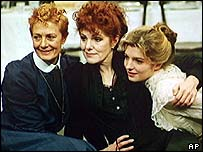 Vanessa Redgrave (left) with sister Lynn (centre) and niece Jemma in Whatever Happened to Baby Jane