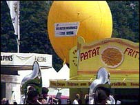 The balloon at the show