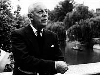 At 94, Alistair Cooke continues to broadcast