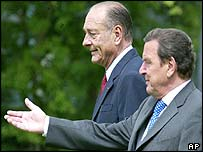 Jacques Chirac (l) with Gerhard Schroeder
