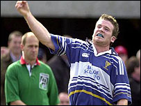 Gordon D'Arcy celebrates scoring Leinster's try