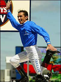 Frankie Dettori is introduced to the crowd before the 2002 Melbourne Cup