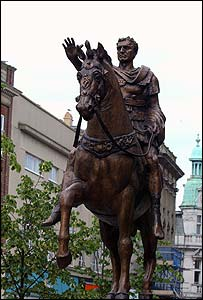 The Nerva statue [Courtesy of The Gloucester Citizen]