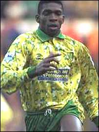 Efan Ekoku in Norwich's kit of1993