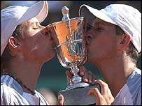 The Bryan brothers won the French Open men's doubles