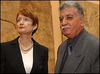 Donny George with UK Culture Secretary Tessa Jowell in 2003