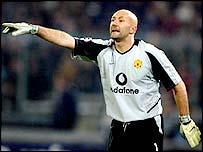 Man Utd goalkeeper Fabien Barthez