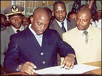 President Joseph Kabila of DR Congo paying his annual income tax in Kinshasa