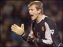 Roy Carroll in action for Man United