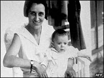 Che Guevara with his mother soon after his birth in 1928