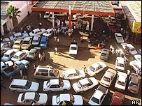 Petrol queue in Zimbabwe