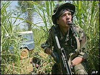 French soldier take up a defensive position, in Bunia