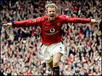 David Beckham celebrates after putting Manchester United ahead