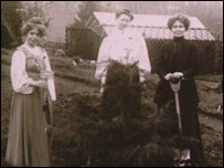 Annie Kenney, Mary Blathwayt, Emmeline Pankhurst in the suffragette garden