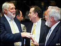 EU Agriculture Commissioner Franz Fischler (L) with colleagues