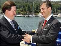 Nato's Lord Robertson (L) greets Serbian President Svetozar Marovic at the summit