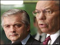 Polish Foreign Minister Wlodzimierz Cimoszewicz and US Secretary of State Colin Powell