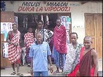 Maasai hairdressers in Dar es Salaam