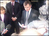 Ieuan Wyn Jones announces his resignation