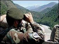 Pakistan soldier at Line of Control